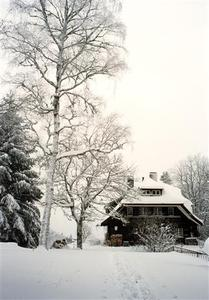 Haus Sonne in snow