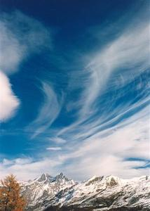 Cloud strokes over mountains