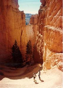 Bryce Canyon, Raman and Rabindra walking down